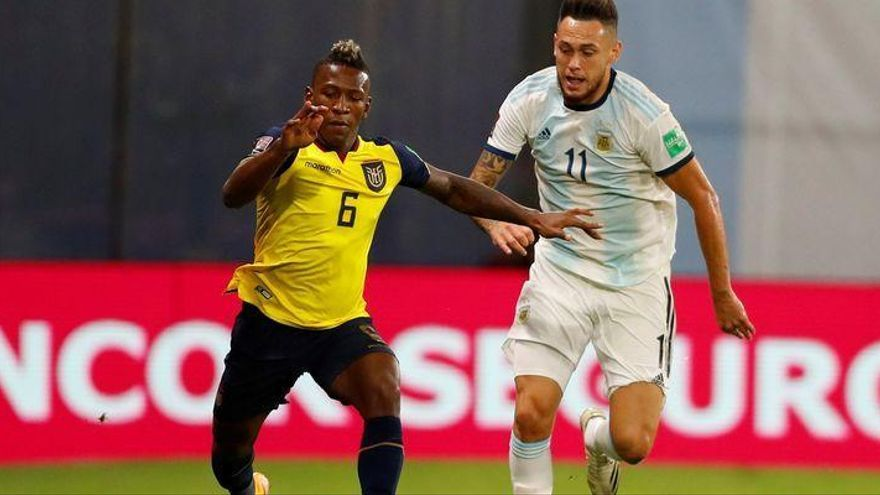 El Villarreal pierde a Estupiñán por una lesión muscular