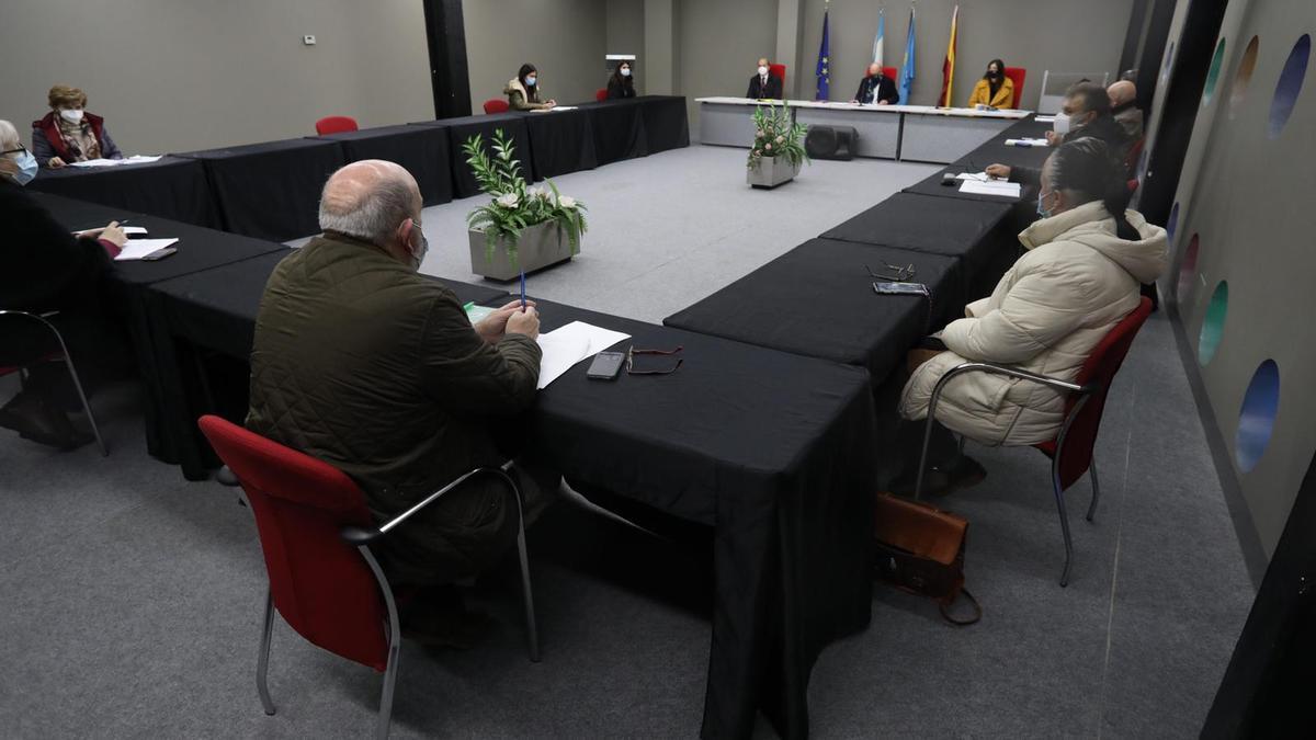 Reunión del Consorcio del Albergue de Animales, en el pabellón de La Magdalena.
