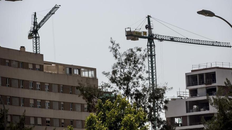 Los promotores alicantinos mantendrán los precios en la obra nueva pero prevén caídas en la segunda mano