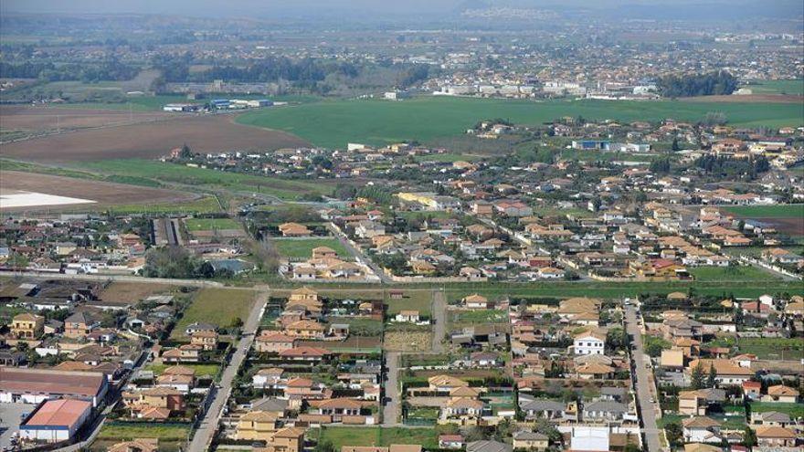 Los vecinos piden que la nueva ley urbanística Lista no deje fuera a los 50.000 cordobeses que viven en parcelaciones ilegales
