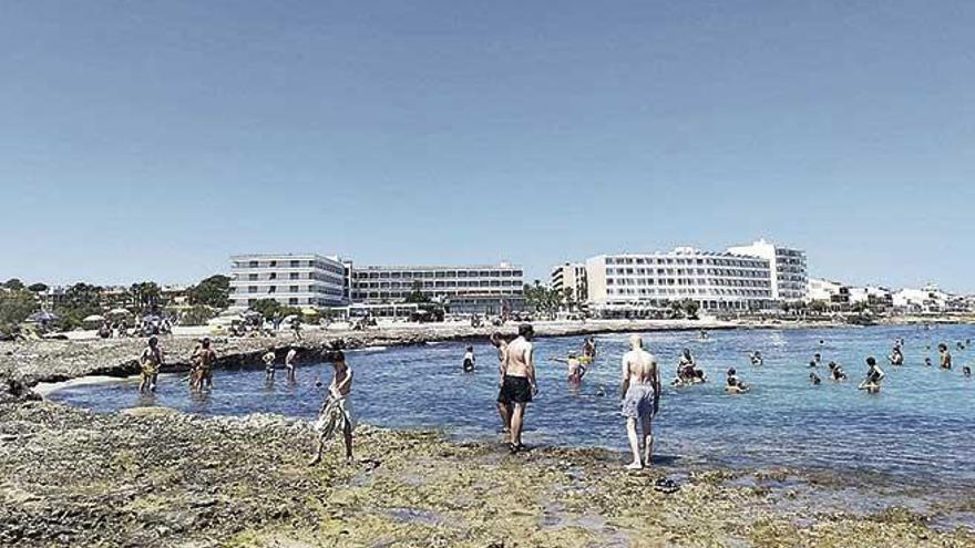 Santa Margalida instala servicios en las playas tras una elevada rebaja del canon