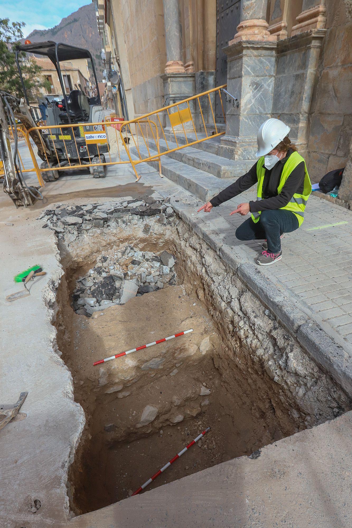 Localizan junto al Santuario de Monserrate una parte de la muralla islámica de Orihuela