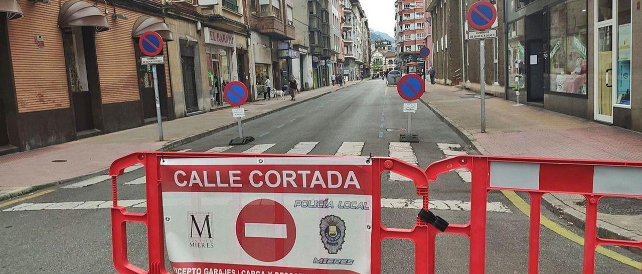 La calle Doce de Octubre, cerrada al tráfico de forma permanente.