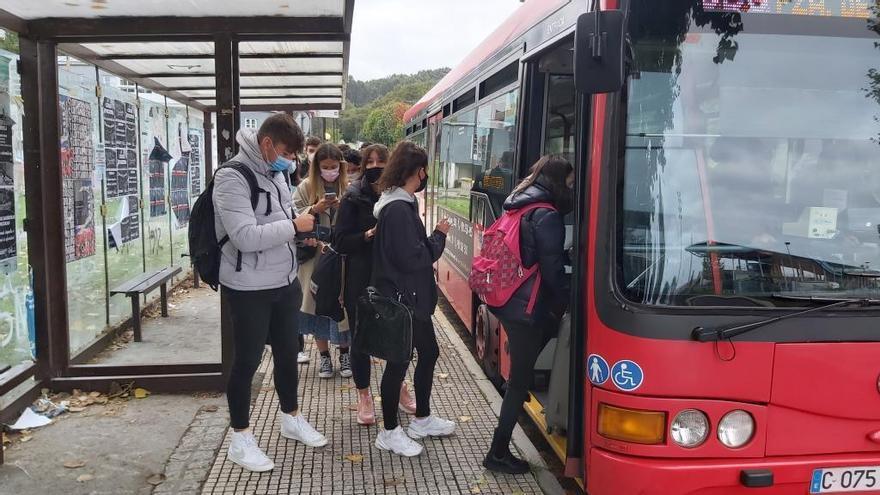 La Xunta cambia las restricciones del transporte público en autobús y marítimo, que podrá ocupar todos sus asientos