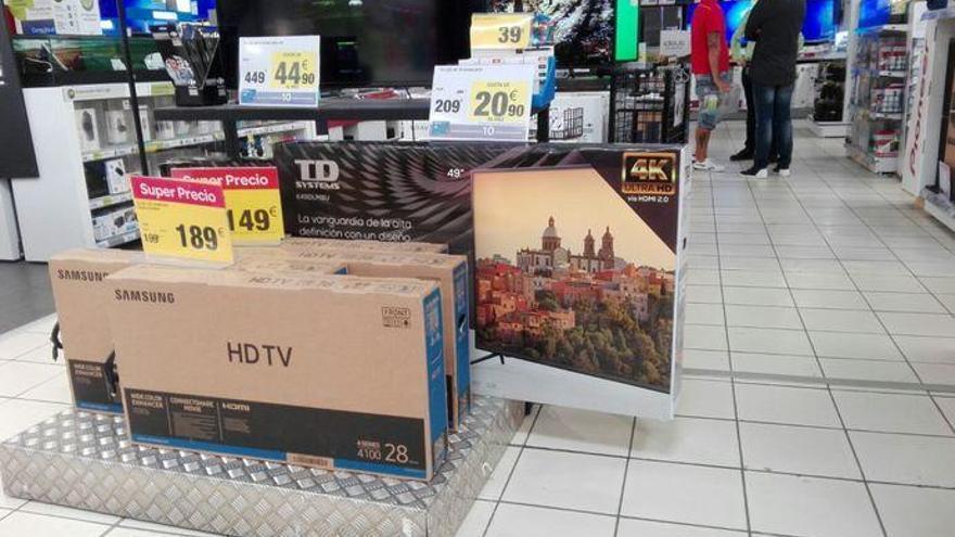 Una empresa usa el casco de Agüimes para promocionar sus televisores en España