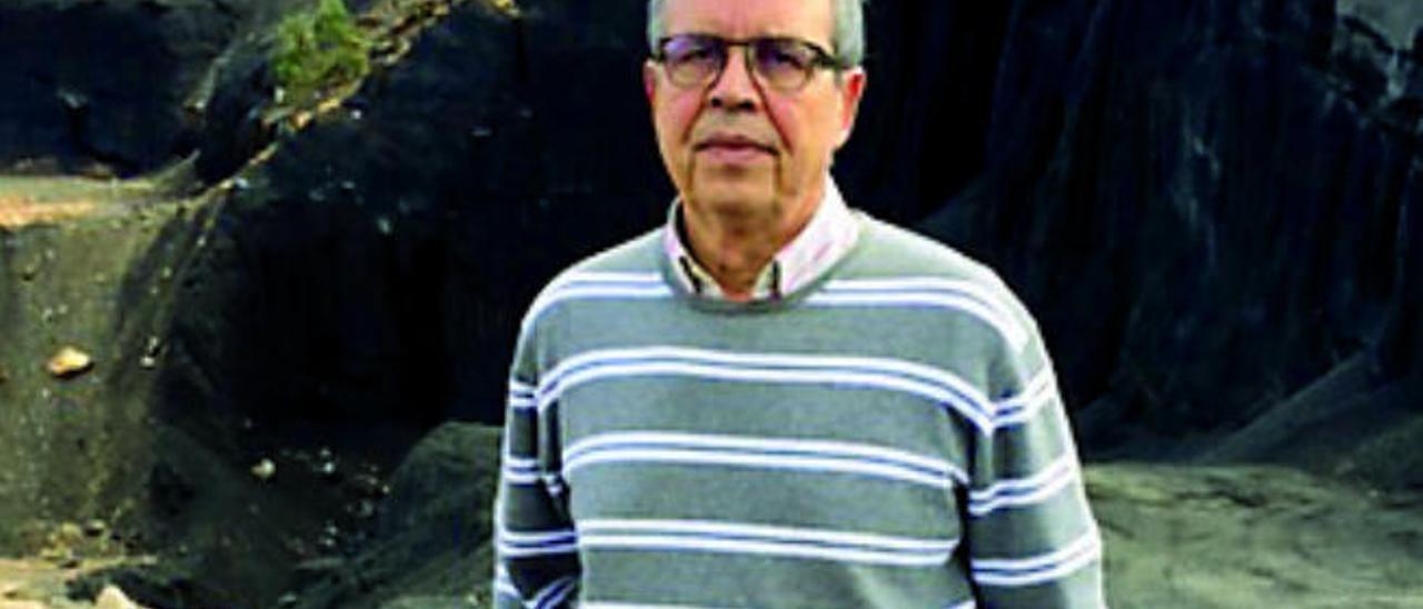 El catedrático Juan Sánchez, ponente de los Cafés Científicos.