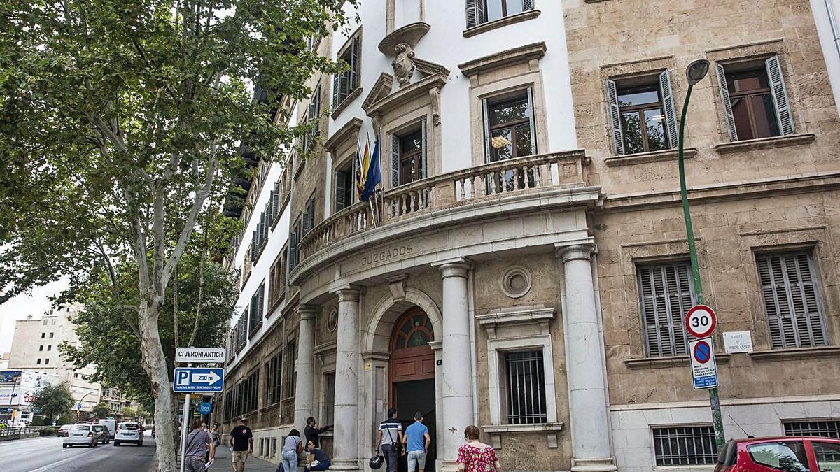 Los hechos fueron enjuiciados ayer en un juzgado de lo penal de Palma.