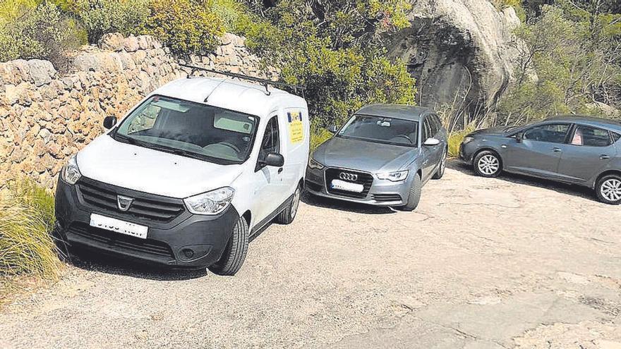 Falschparker an der Straße zum Castell d'Alaró müssen jetzt Strafe zahlen