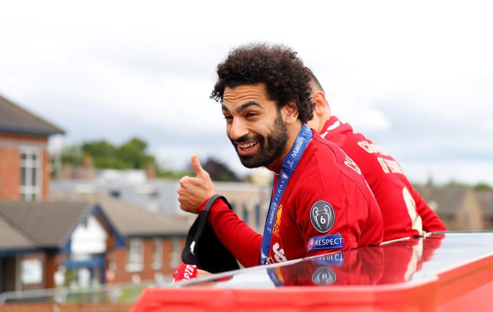 El Liverpool celebra con su afición la Champions L