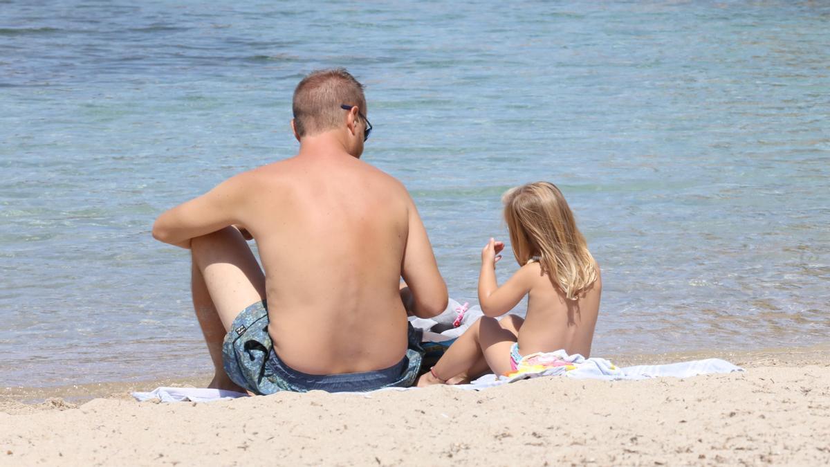 Muchas playas de Ibiza son ideales para ir con niños.