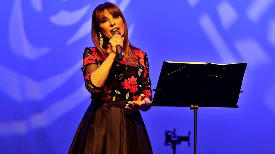 Laviana vuelve a celebrar La Pontona, que empieza con el concierto de Tina Gutiérrez