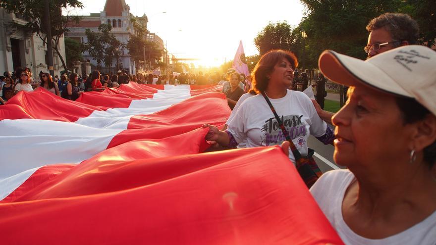 La Justicia peruana reconoce como familia a una pareja de mujeres