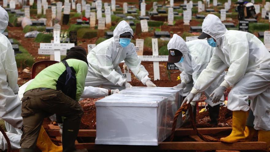La pandemia suma más de 486.000 casos nuevos