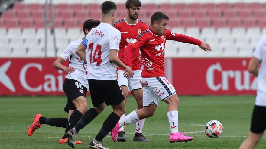 Los chispazos de Carrillo no son suficientes para el Real Murcia