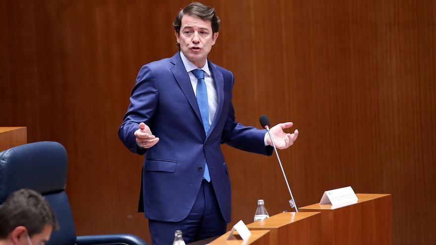 Mañueco critica que se quiten ahorros a ayuntamientos y diputaciones