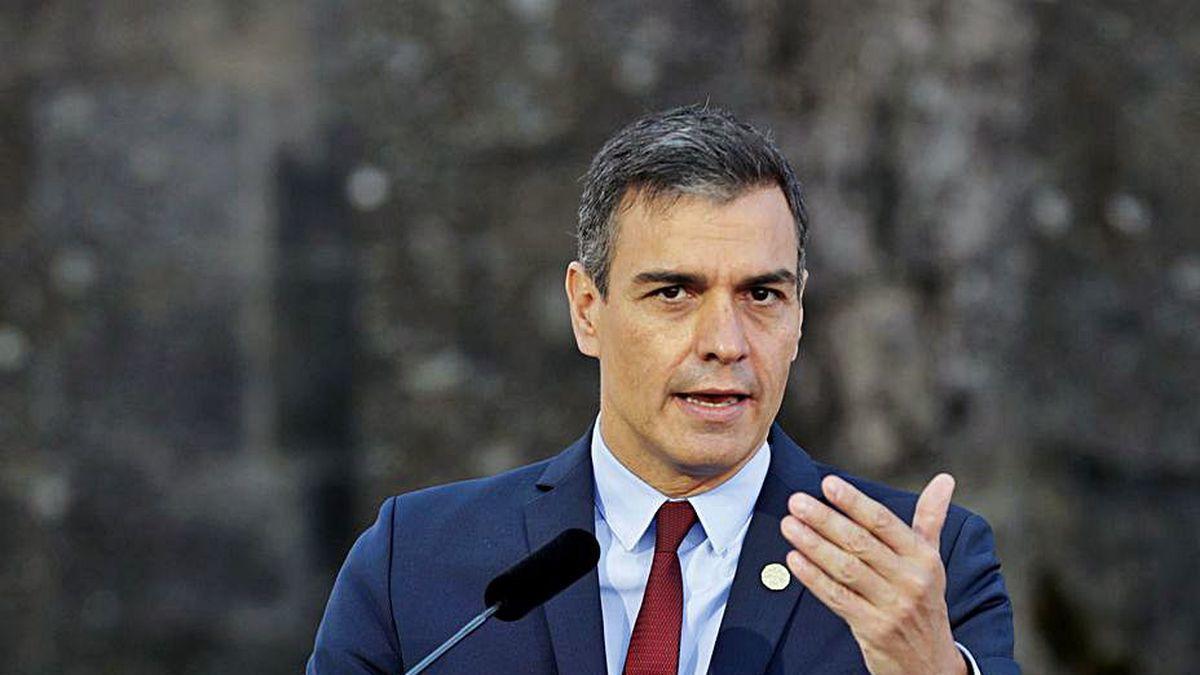 Pedro Sánchez, durante su rueda de prensa de ayer en Portugal.
