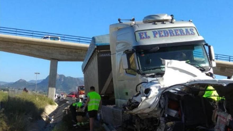 Accidente múltiple en Barcelona con 25 heridos y 15 kilómetros de colas