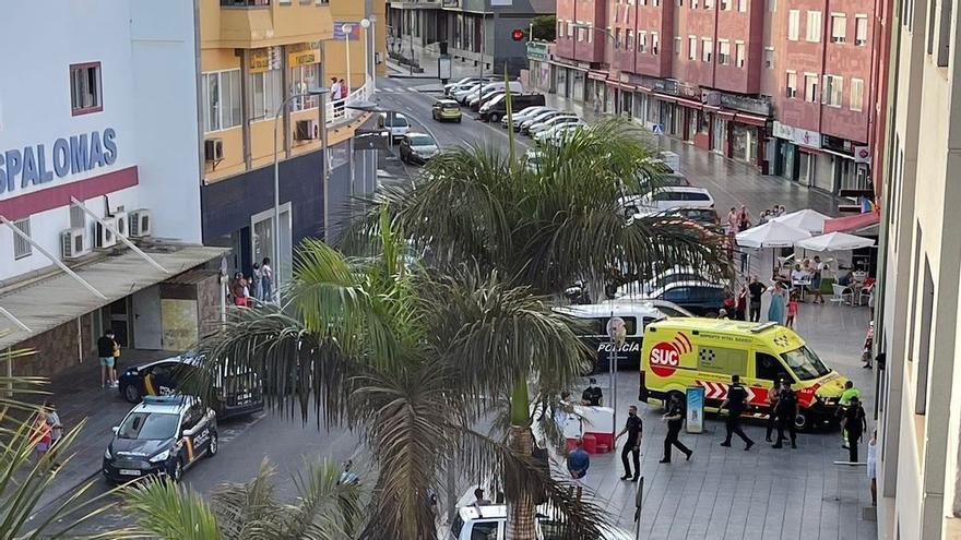 Fallece la bebé de un año que cayó de una segunda planta en el sur de Gran Canaria