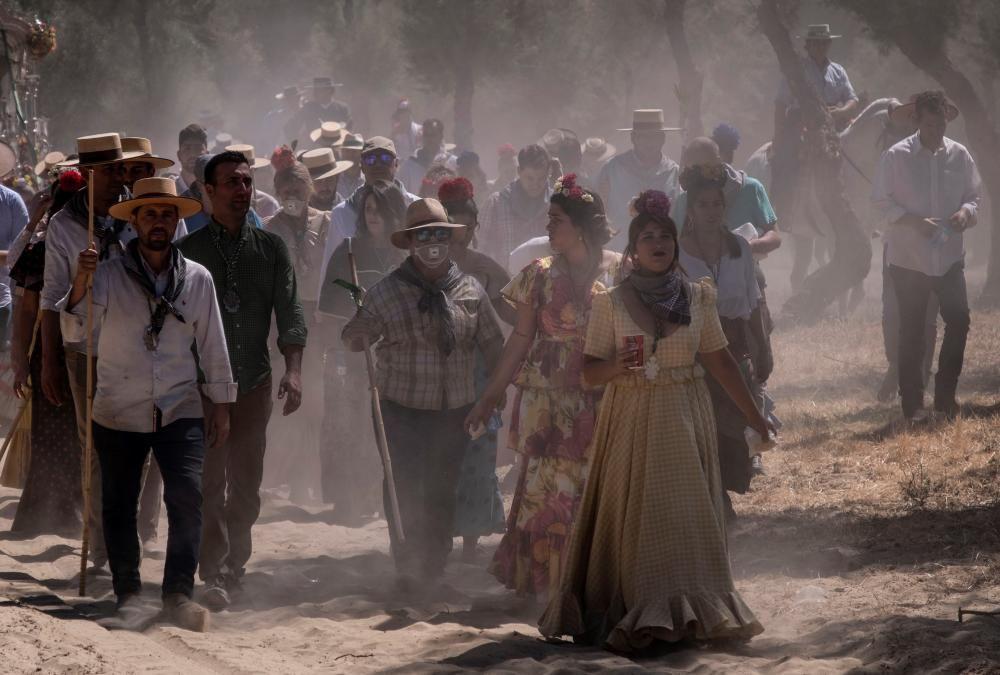 Camino al Santuario de la Virgen del Rocío en Almonte.