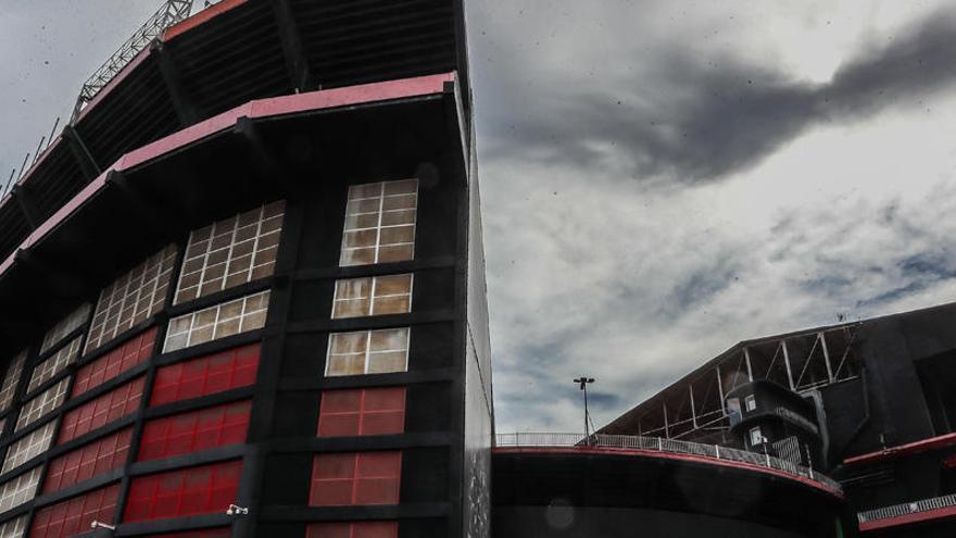 Nubarrones sobre el calendario de pagos del Valencia