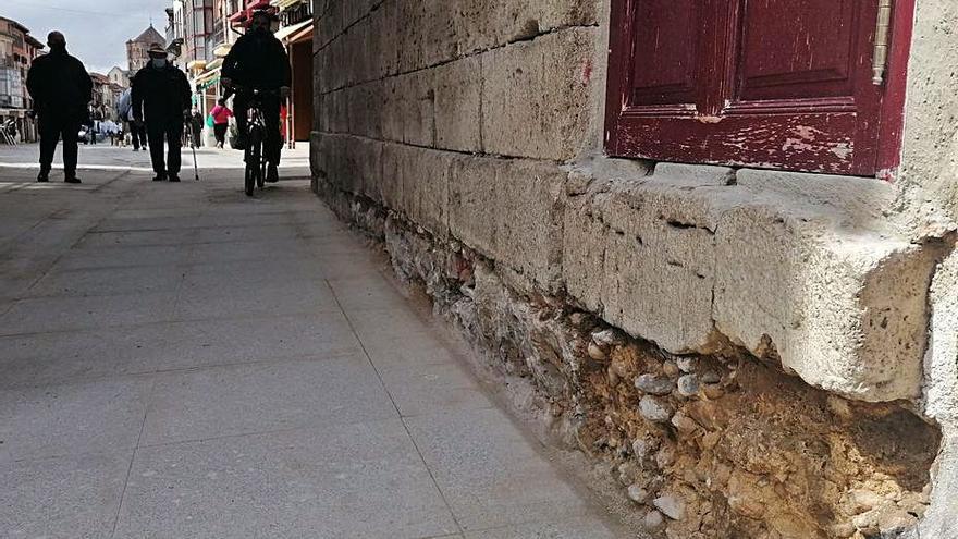 El Ayuntamiento rehabilitará la cimentación del Arco del Reloj de Toro