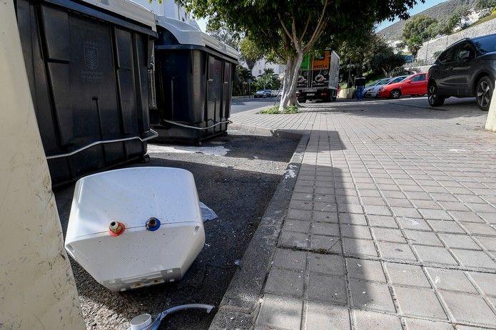 Basura y trastos en las calles