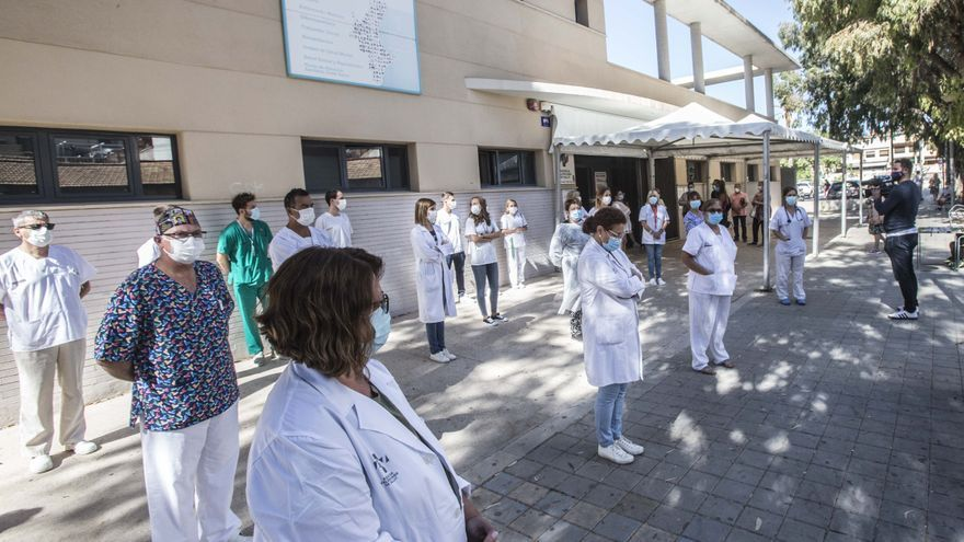 Protesta ante el centro de salud de San Blas