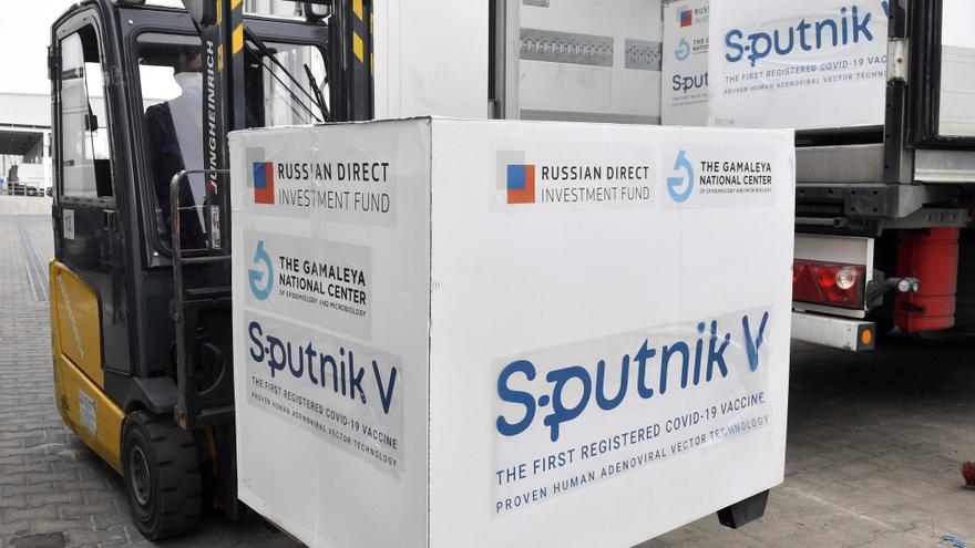 Alemania negocia con Rusia la compra de su vacuna Sputnik V