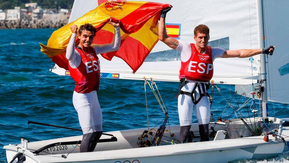 Jordi Xammar i Nico Rodríguez, exultants després d'aconseguir el bronze
