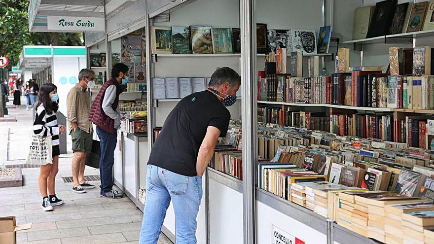 Arranca la Feria del Libro Antiguo y de Ocasión en la Alameda de Vigo
