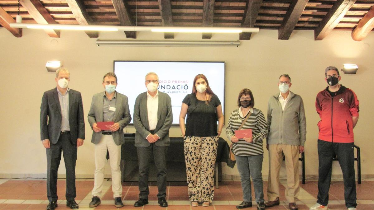 Representants del jurat i de les entitats beneficiades per la donació