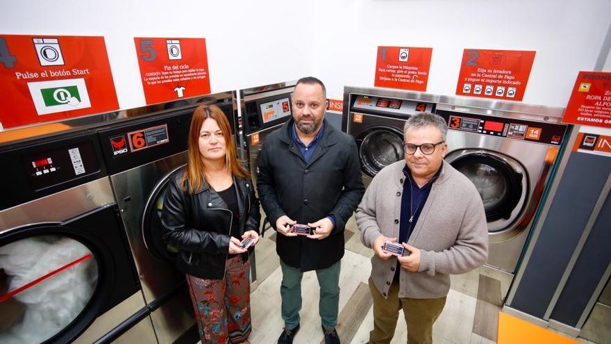 Ciudad Alta estrena la primera lavandería social de España
