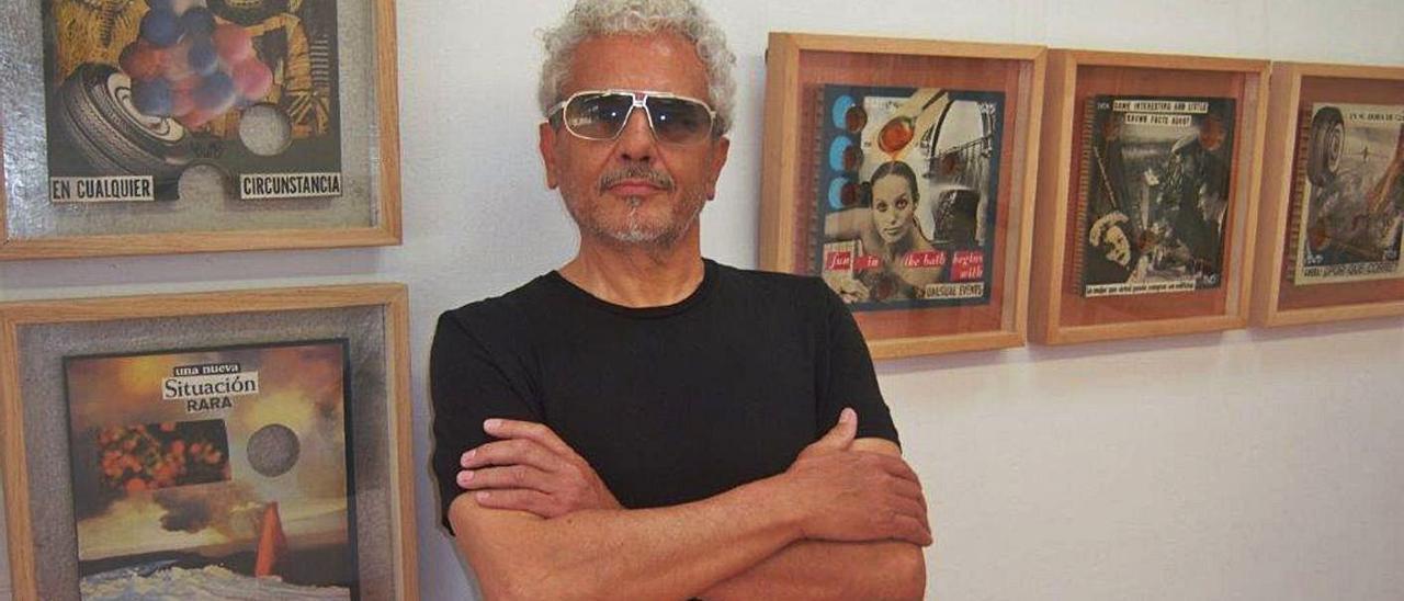 Luis Miguel Romero, Rom Ero, ante algunas de las obras que expone en Garden Art Gallery. | GAG