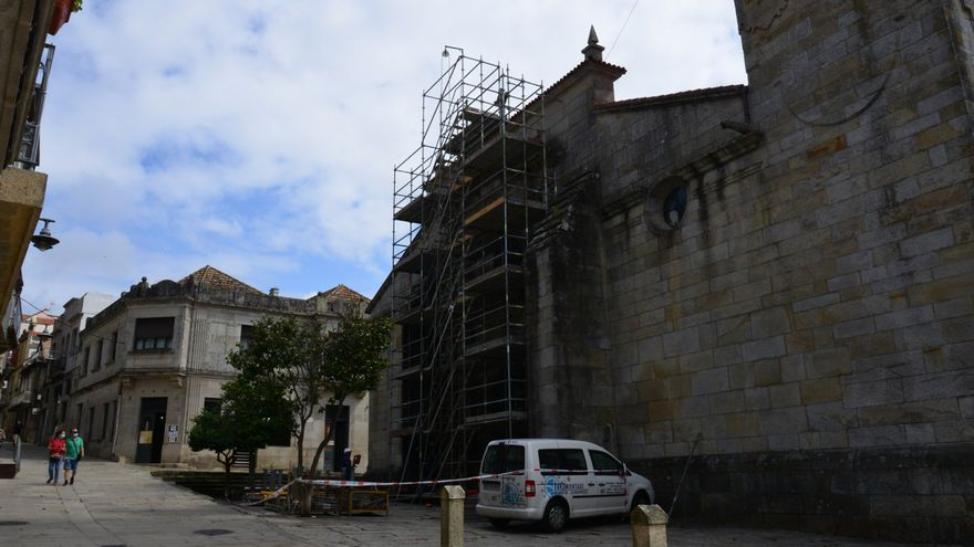 Comienza la restauración de la excolegiata de Cangas en vísperas de su patrón, Santiago