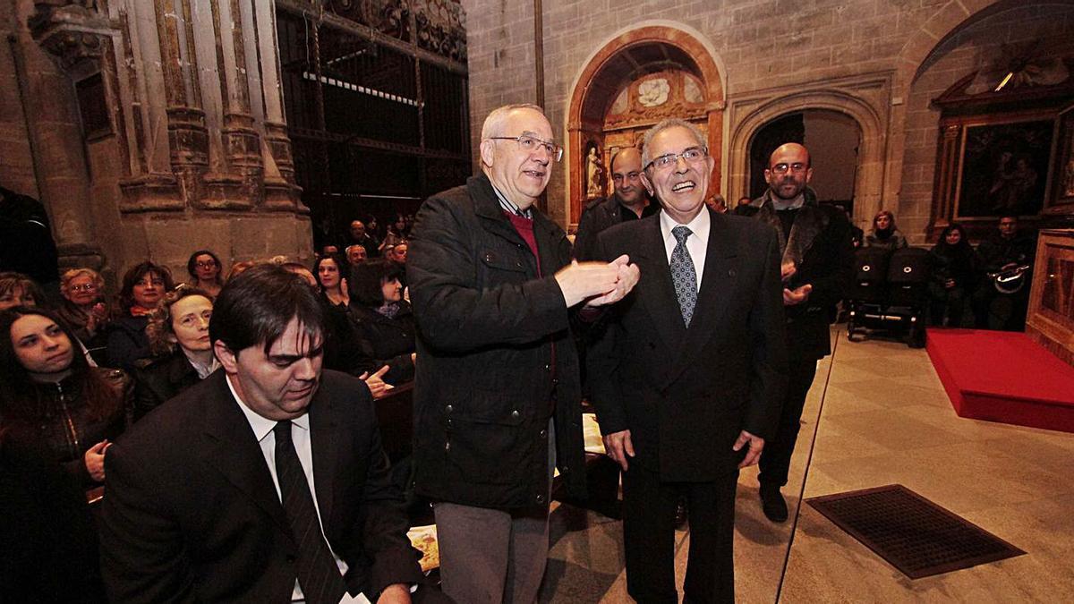 El maestro Carlos Cerveró junto a Luis Felipe Delgado de Castro en la Catedral, en el homenaje de 2012. | J. F.