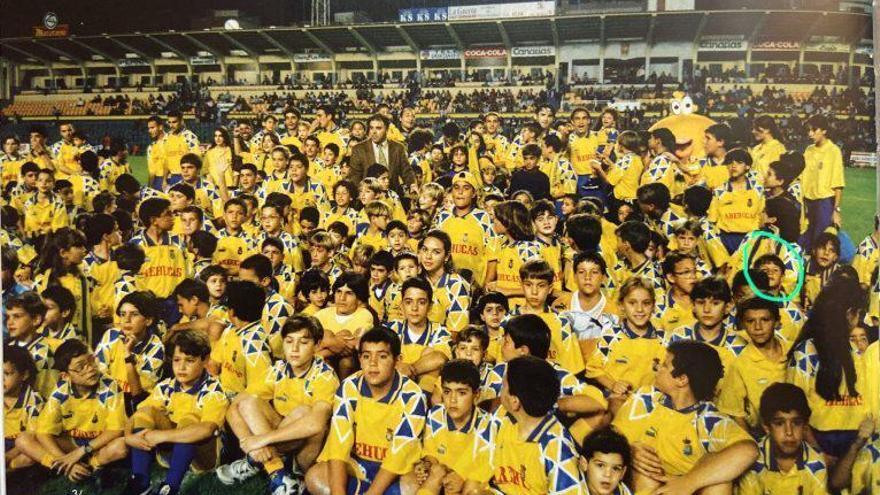 La foto más emotiva de Vicente Gómez: de amarillo en el Insular