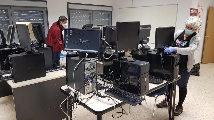 ASIT inicia una recogida de equipos informáticos para familias desfavorecidas
