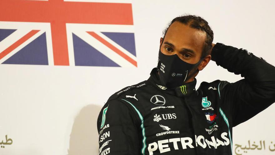 Lewis Hamilton, campeón de F1, da positivo en COVID-19