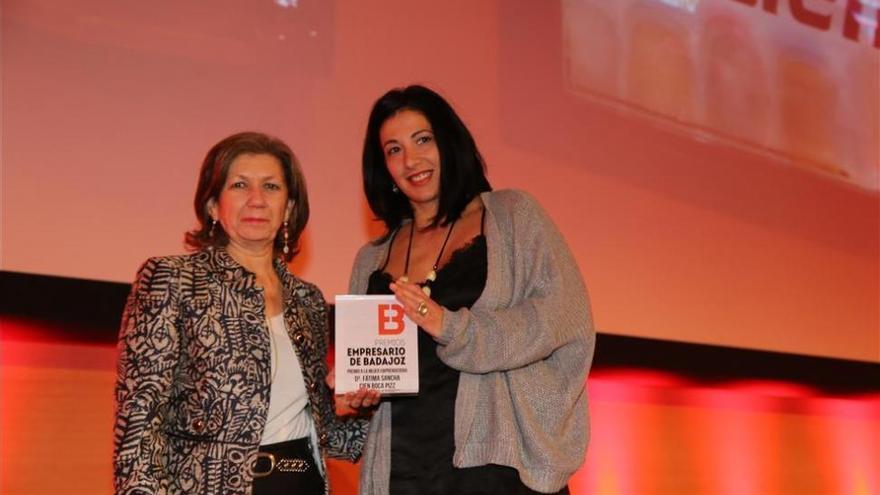 Fátima Sancha, de Cien BocaPizz, recibe el premio a la Mujer Emprendedora de Badajoz