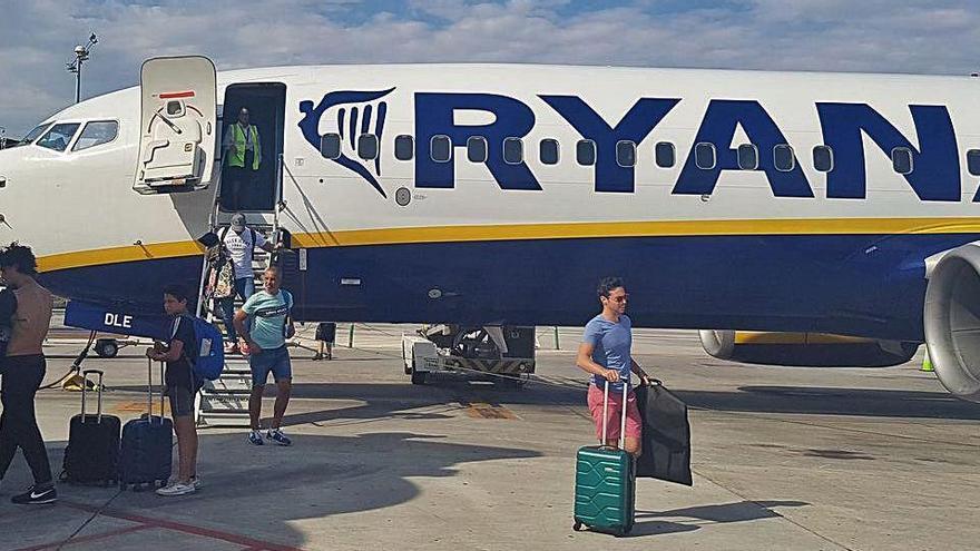 Ryanair reducirá sus vuelos un 20% en septiembre y octubre en El Altet