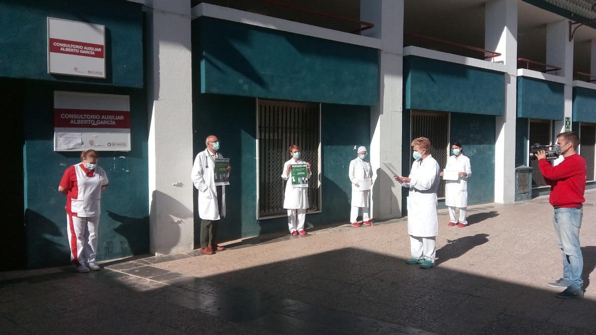 Un momento de la protesta hoy en Elche