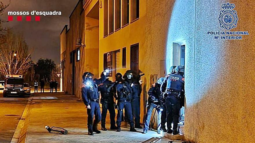 Desarticulan una red china de tráfico de marihuana en Asturias y Cataluña