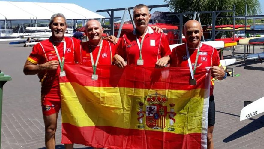 Cuatro medallas para el EP Mar Menor en la Copa del Mundo