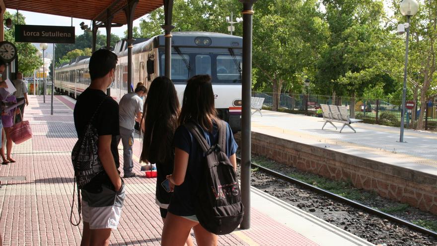 """El alcalde de Lorca exigirá a Adif que el corte del servicio de Cercanías sea el """"mínimo tiempo posible"""""""