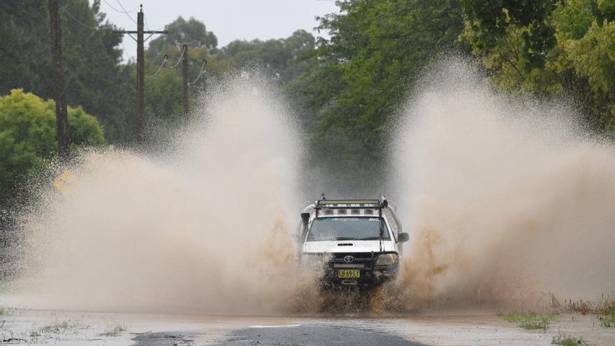 Australia continúa la evacuación por las inundaciones, que dejan un muerto
