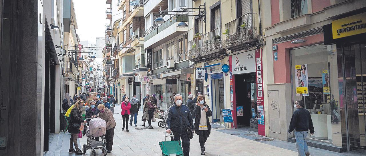 La calle Major de Gandia, principal arteria comercial de la ciudad