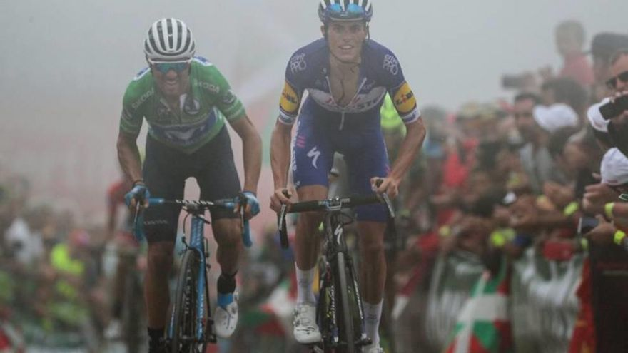 Valverde agita otra vez la Vuelta