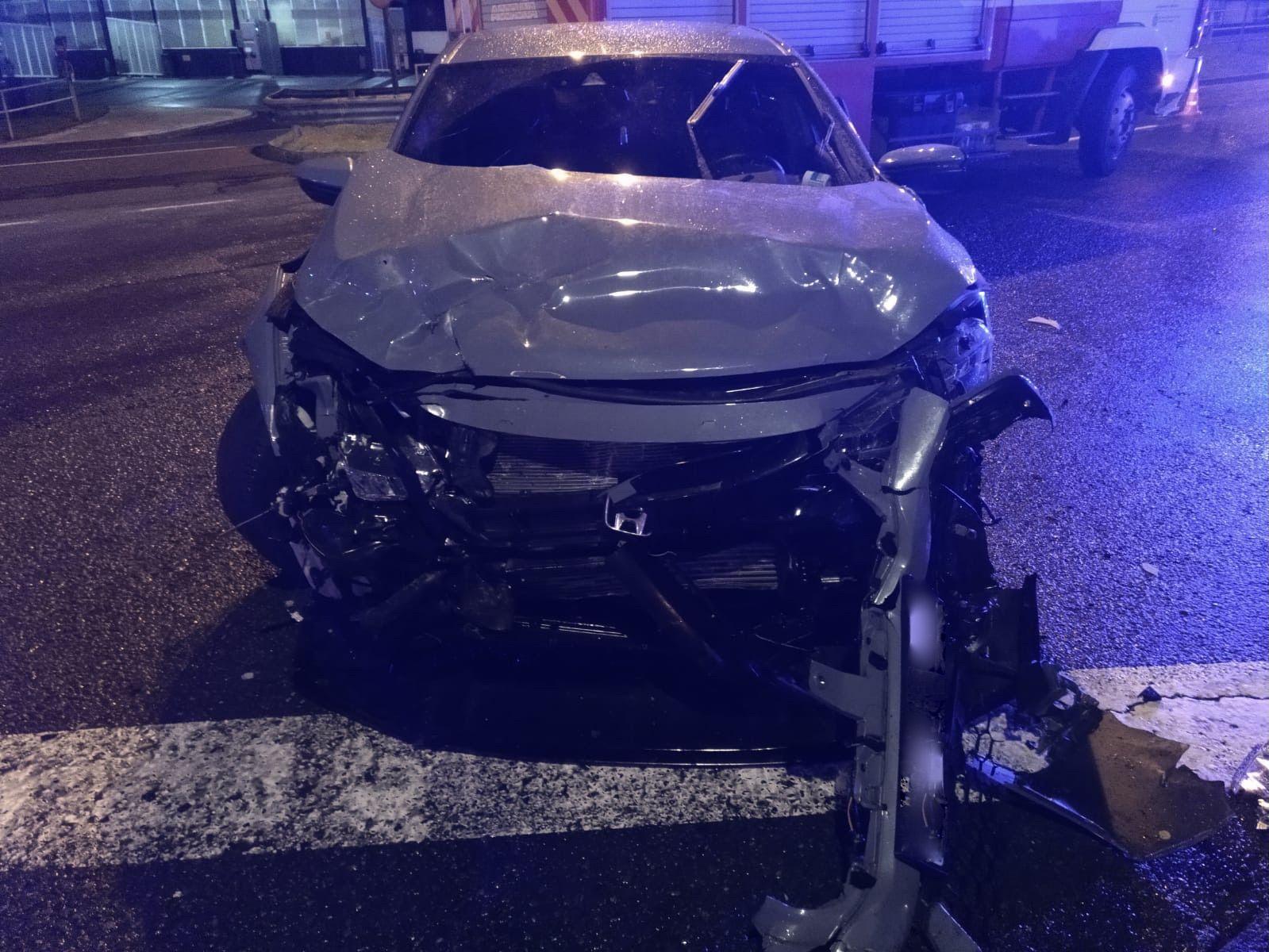 Estado en el que quedó el coche que colisionó contra el de la fallecida.