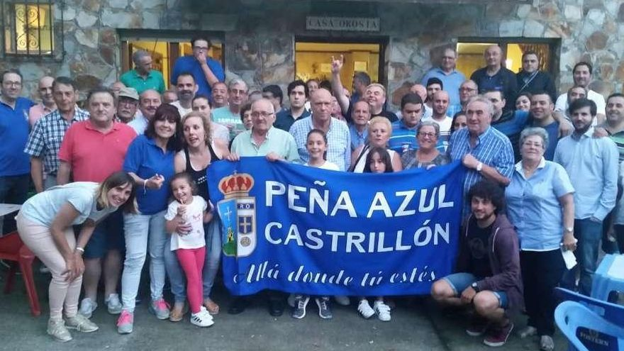 La Peña Azul Castrillón abre la temporada en su nueva sede de Las Bárzanas