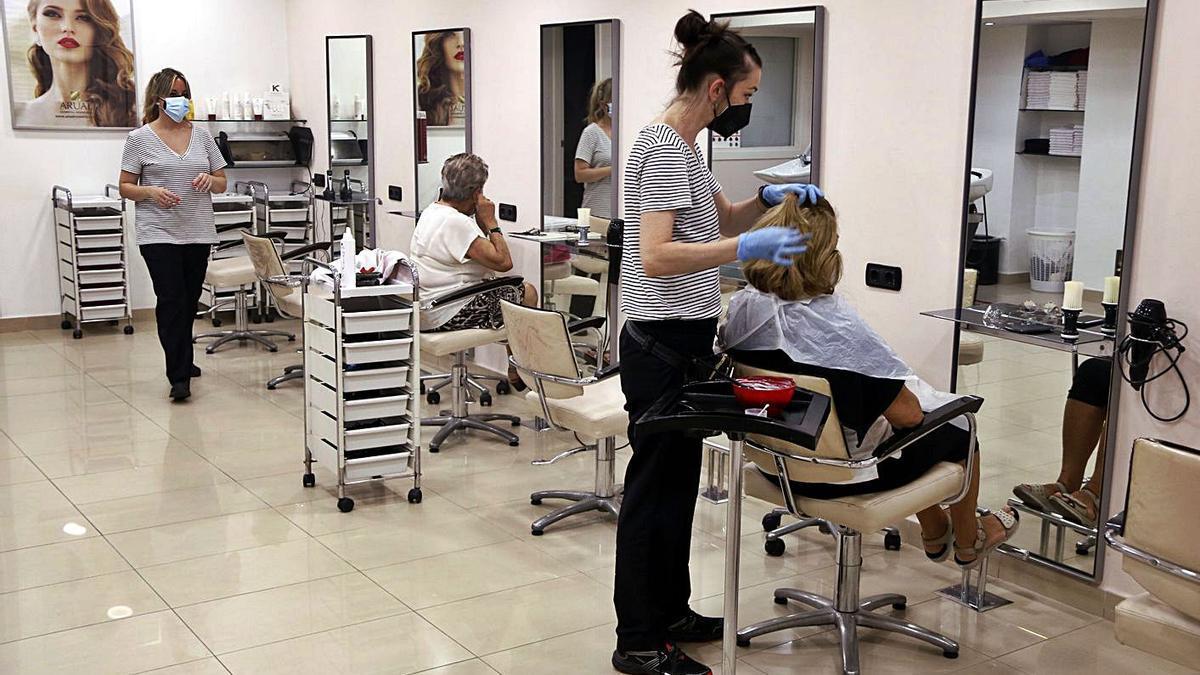 Imatge d'una perruqueria, negoci que nota especialment l'increment del preu de la llum. | ACN